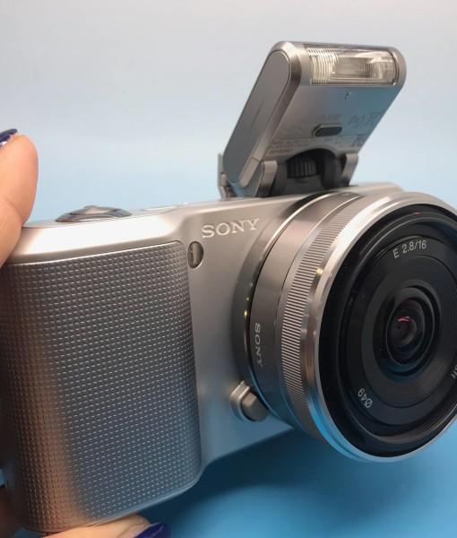 Sony NEX-3 Silver - 2
